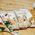 Bifes de pollo rellenos con espinaca