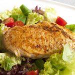 Ensalada con pechugas de pollo