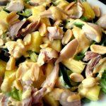 Ensalada de pollo, ananá y maní