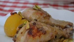 Patas de pollo con salsa de pistachos