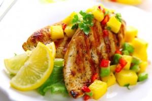 Pechugas de pollo con salsa de mango fácil