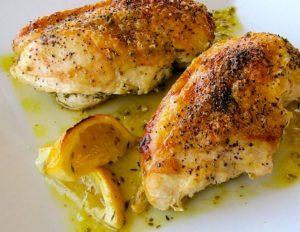 Pollo con orégano y limón