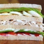 Sándwich triple con pollo