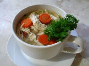 Sopa de pollo para resfriado