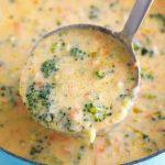 Sopa de pollo y brócoli
