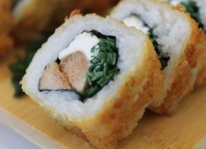Sushi de pollo y queso