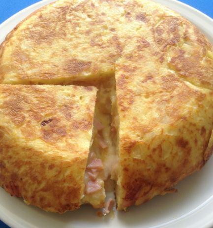 receta de Tortilla de papa rellena con pollo