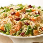 Ensalada de pollo con arroz integral