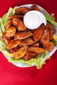 alitas de pollo con salsa azul