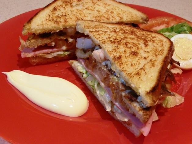 sandwich-de-tres-pisos
